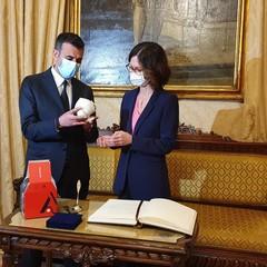 il sindaco Decaro riceve il ministro Gelmini