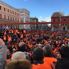 la protesta dei gilet arancioni