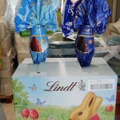 Bari Multiservzi dona uova di Pasqua foto uova