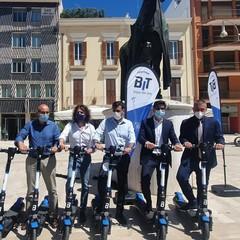 presentato il sevizio di monopattini sharing con dispositivi della Bit Mobility