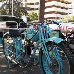 mostra veicoli d'epoca bari