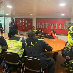 Briefing con i Volontari su Nave Dattilo Guardia Costiera Italiana