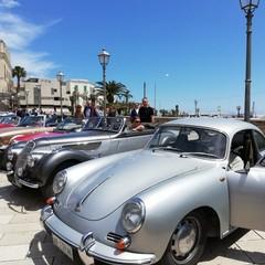 Le auto storiche a Bari vecchia