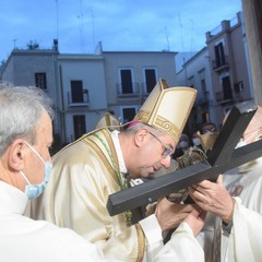 La cerimonia in cattedrale a Bari