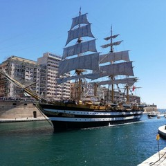 Nave Amerigo Vespucci Taranto