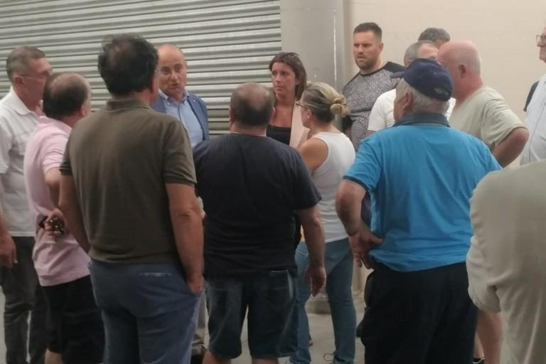 ieri sopralluogo degli ass Palone e Galasso al mercato di via Vaccarella a Carbonara