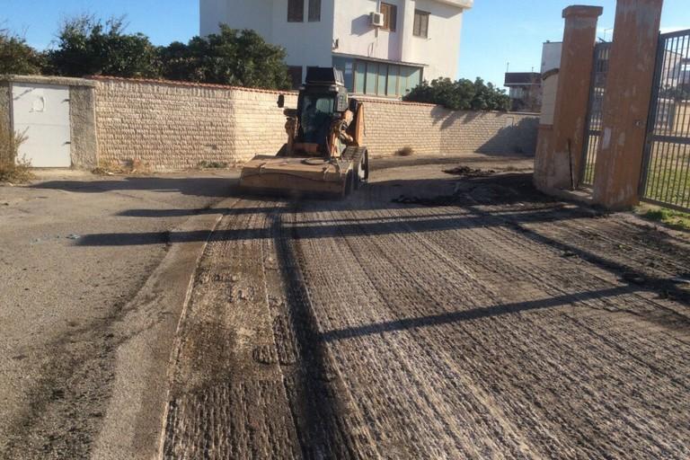 Bari procede la manutenzione di strade e marciapiedi nel for Interventi di manutenzione straordinaria