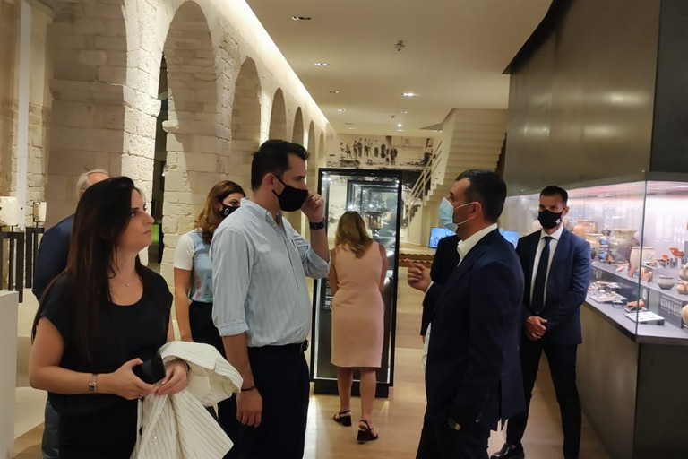 visita Museo santa scolastica Decaro sindaci Albania
