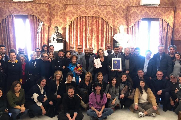 tre anni della Casa delle bambine e dei bambini stamattina il riconoscimento dellamminsitrazione ai donatori