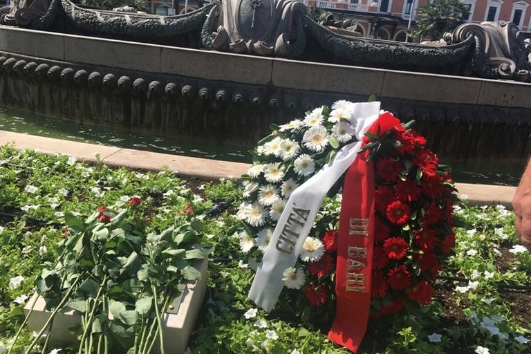 sindaco alla cerimonia in ricordo delle vittime del disastro ferroviario del luglio