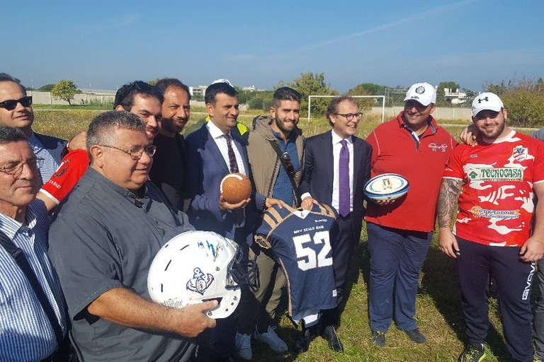 """Bari, Decaro e il ministro Lotti in visita agli impianti sportivi finanziati dal fondo """"Sport e Periferie"""""""