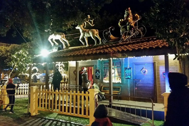 Storia Di San Nicola E Babbo Natale.Bari Babbo Natale Arriva In Fiera Con Il Villaggio Di San