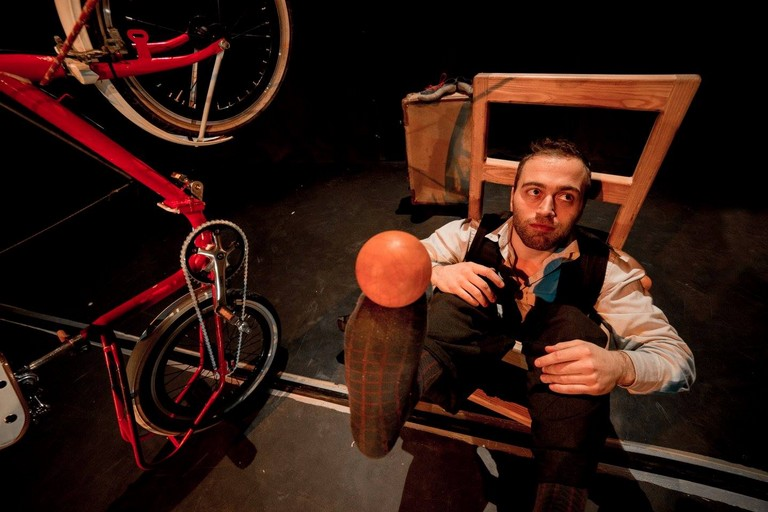 da domani a domenica il festival di teatro di strada e circo contemporaneo al San Paolo finanziato dallassessorato al Welfare