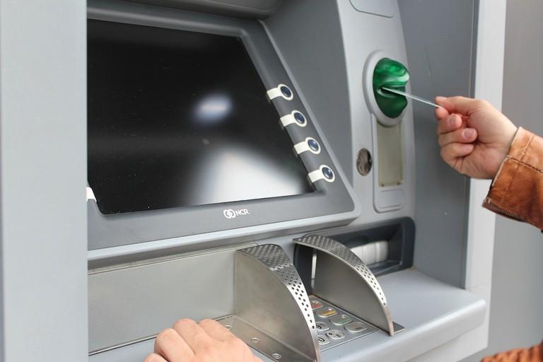 Uno sportello bancomat
