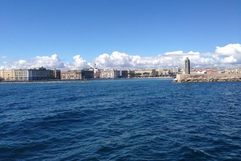 Bari vista dal mare