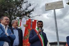 A Santa Rita sorge piazza Sandro Pertini. Decaro: «È stato il presidente del popolo»