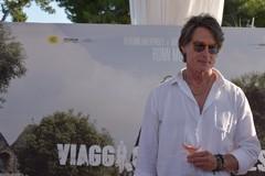 """Ronn Moss presenta il suo nuovo film, l'ex Ridge di """"Beautiful"""": «Della Puglia amo il relax»"""