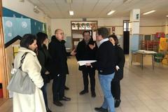 Carbonara, nuovi infissi e spazi esterni nella scuola d'infanzia Ferrarini