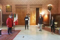 """""""Fotografi per Bari"""", il progetto di arte solidale raccoglie 10mila euro per il Comune"""