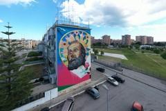 Festa di San Nicola, il murale in via Miglionico si accende con l'illuminazione artistica