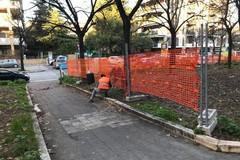 Nuove giostrine, area per cani e pubblica illuminazione nel giardino di viale Kennedy. Partiti i lavori