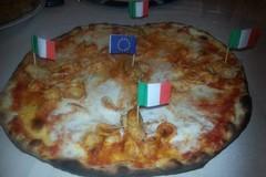 Altra saracinesca giù a Bari, chiude la pizzeria Continental