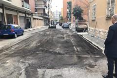 Bari, nuovo asfalto a Japigia nell'area ex Arca. Operai di Open fiber a lavoro