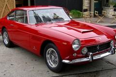 Auto d'epoca, a Bari la Ferrari 250 cabriolet guidata da Alfonso di Borbone