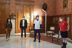 """Grande successo per """"Tutti in gioco"""", in vendita altre mille maglie della FC Bari 1908"""