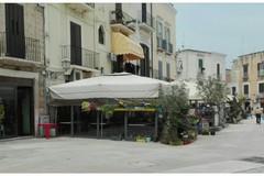 Bari, senza autorizzazioni gazebo di una gelateria in piazza Mercantile