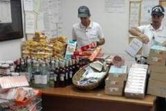 Vendeva abusivamente prodotti alimentari al mercato ex Manifattura. Nei guai 64enne