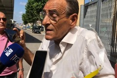 Assemblea Movimento 5 stelle a Bari, l'attivista deluso riconsegna il braccialetto