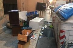 Degrado urbano per le strade di Bari, 230 multe in sette giorni