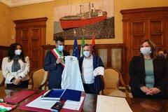 Dall'Albania a Bari a bordo della Vlora, dopo 30 anni Festim Thartori è italiano
