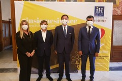 Covid-19, gruppo alberghiero dona 100mila mascherine al Comune di Bari