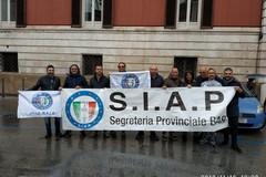 Legge di bilancio, a Bari protestano i poliziotti del SIAP: «Molto delusi»