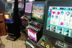 Slot machine non autorizzate in un'associazione culturale a Gravina in Puglia, scatta il sequestro