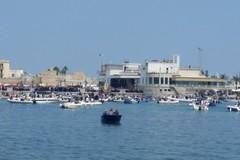 San Nicola a Mare, si rinnova la tradizione a Bari