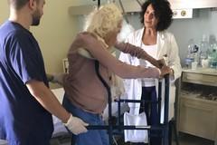 Teresa 101 anni e in piedi a 48 ore dall'intervento
