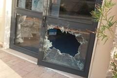 Bari, vandali in azione al Teatro di Pulcinella
