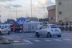 Scontro a Loseto, ambulanza ribaltata in via Trisorio Liuzzi