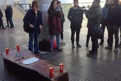 Un funerale per Università e Ricerca, al Poliba va in scena la protesta di studenti, dottorandi e ricercatori