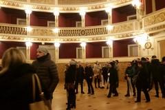 """Bari, riapertura del Piccinni, """"La bellezza che commuove"""" nei commenti dei visitatori"""