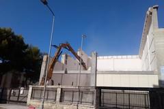 Polvere e detriti, e una parte del Politecnico di Bari viene giù