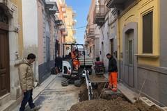 Carbonara di Bari, in via Foscolo lavori in corso per la fogna bianca