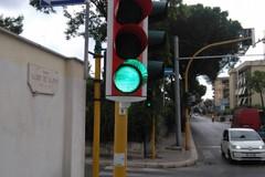 """Bari, arrivano semafori """"intelligenti"""" su 81 incroci. Decaro: «Intervento contro inquinamento»"""