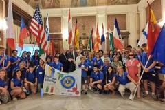 In visita a Bari ventitré ragazzi stranieri di un progetto di scambio interculturale