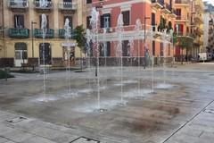 Piazza Disfida di Barletta a Bari, finalmente attiva la fontana a pavimento