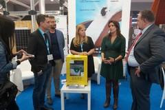A Bari la fiera italiana dell'edilizia, aziende donano un defibrillatore al Comune