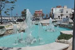 Santo Spirito, giochi di luce nella nuova fontana in piazza San Francesco. Lavori in dirittura d'arrivo